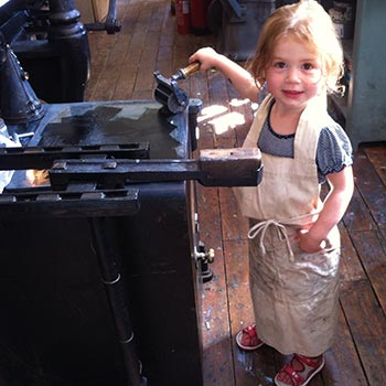 Justin & Cecilia's youngest daughter Jemima rolling out ink