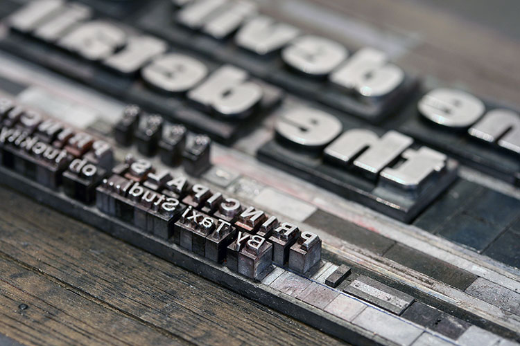 taxi_studio_letterpress_postcards_type_folio_helvetica_750