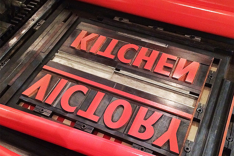 t063_victory_is_in_the_kitchen_wood_type_letterpress_red_forme_750