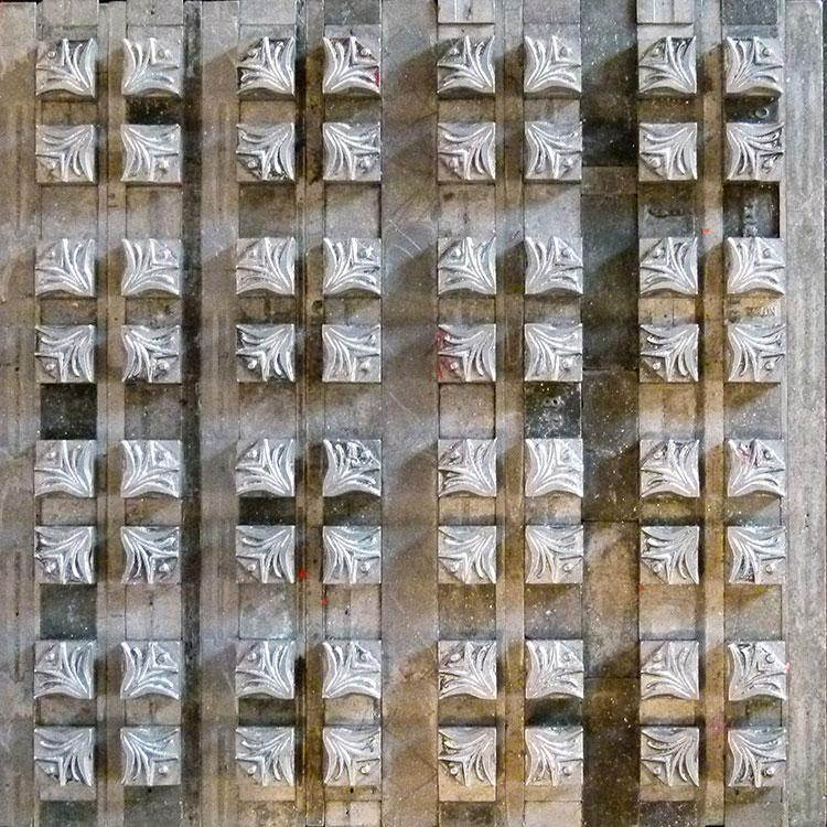 t042_glint_letterpress_forme_square